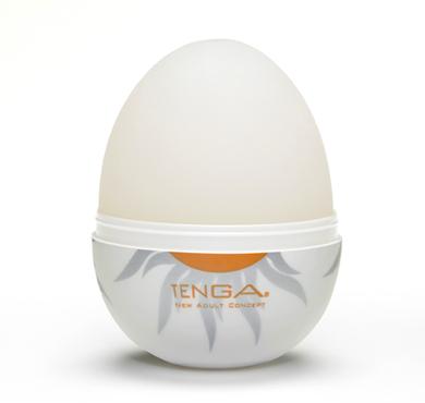 Tenga Egg - Otevřeme skořápku zmáčknutím skorábky mezi prsty a vyjmeme vajíčko.