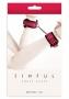 Pouta Sinful Ankle Cuffs jsou krásným, elegantním doplňkem, který oživí Vaše erotické hrátky. Jsou vyrobena z lisovaného vinylu s plastickým vzorem, na spodní straně je podšitý měkký neopren, zajišťuj…