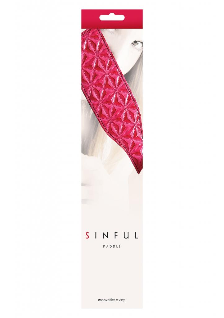 Sinful Paddle je luxusní plácačka, která dodá jiskru vzrušení Vašim milostným hrátkám. Vyrobena z růžového vinylu s originálním plastickým vzorem na povrchu. Delší rukojeť je opatřena poutkem pro le…