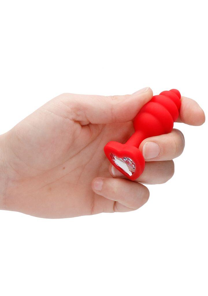 Shots - Ouch! Regular Ribbed Diamond Heart Plug red anální kolík