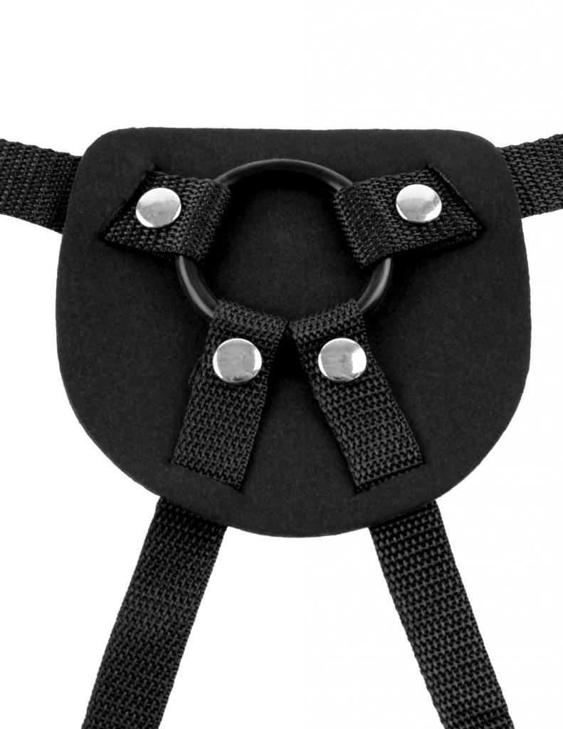 Beginners Harness se jednoduše připevní čtyř patentů a k zajištění dilda proti posunutí slouží speciální kroužek ze silikonu.