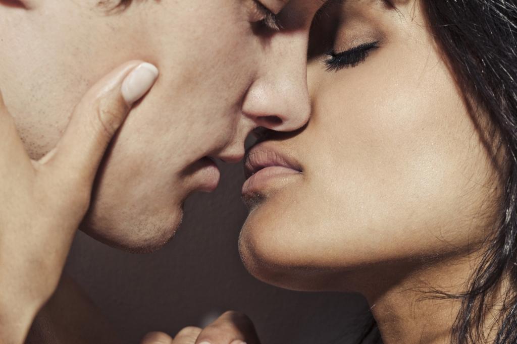 Pokud máte milence a manžela zároveň, tahle pravidla musíte dodržovat!